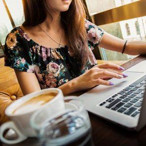 Comment gagner de l'argent avec internet en travaillant à domicile ?